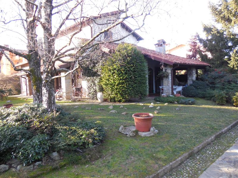 Villa in vendita a Vaprio d'Adda, 6 locali, prezzo € 400.000 | Cambio Casa.it