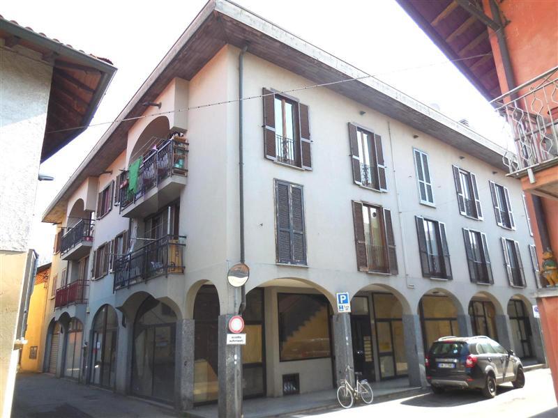 Appartamento in vendita a Trezzano Rosa, 3 locali, zona Località: TREZZANO ROSA, prezzo € 82.000 | Cambio Casa.it