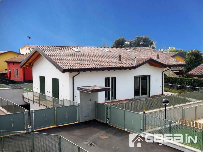 Villa in vendita a Capriate San Gervasio, 5 locali, prezzo € 380.000 | Cambio Casa.it