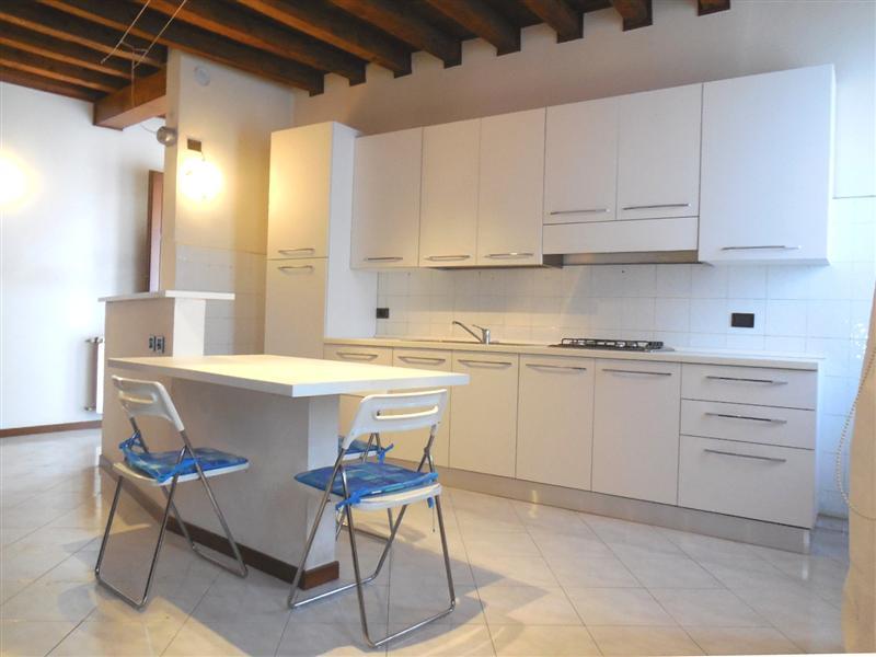 Appartamento in vendita a Vaprio d'Adda, 2 locali, prezzo € 80.000 | Cambio Casa.it