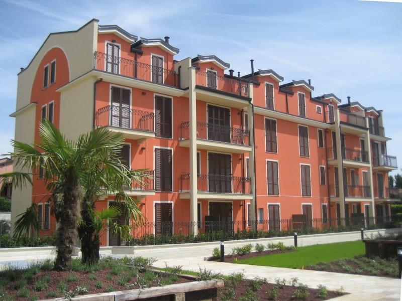 Appartamento in vendita a Vaprio d'Adda, 3 locali, zona Località: VAPRIO D'ADDA, prezzo € 150.000 | Cambio Casa.it