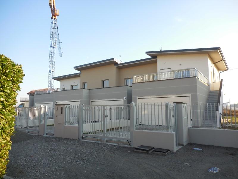 Soluzione Indipendente in vendita a Capriate San Gervasio, 3 locali, prezzo € 199.000 | Cambio Casa.it