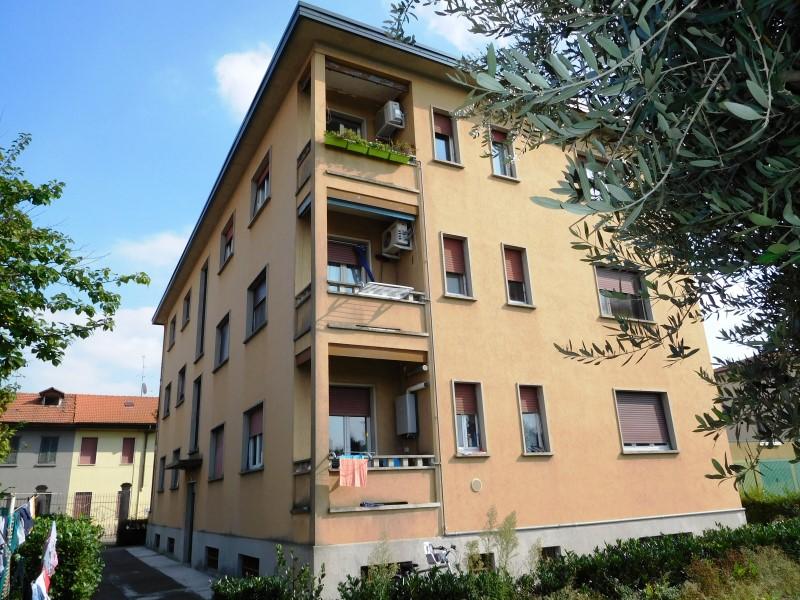 Appartamento in vendita a Vaprio d'Adda, 3 locali, prezzo € 48.000 | Cambio Casa.it