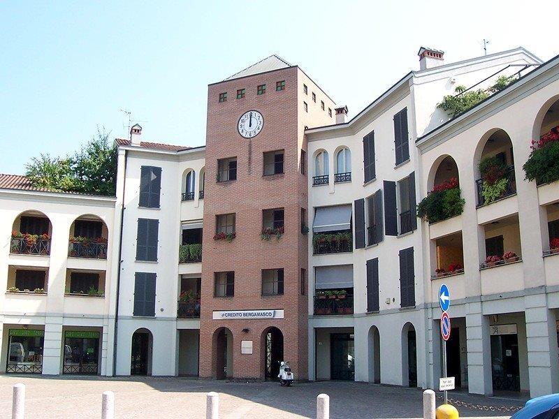 Appartamento in vendita a Vaprio d'Adda, 5 locali, prezzo € 225.000 | Cambio Casa.it