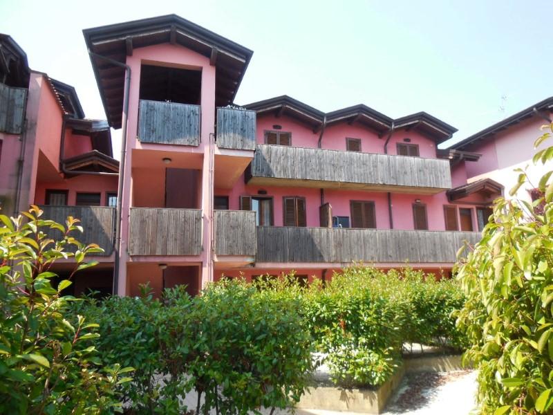 Appartamento in vendita a Trezzano Rosa, 2 locali, prezzo € 60.000 | Cambio Casa.it