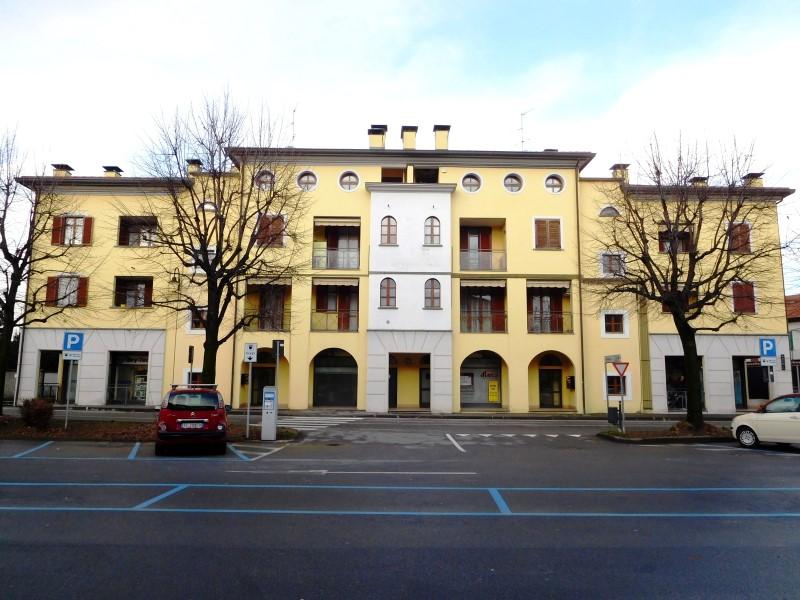 Appartamento in vendita a Vaprio d'Adda, 3 locali, zona Località: VAPRIO D'ADDA, prezzo € 139.000 | Cambio Casa.it