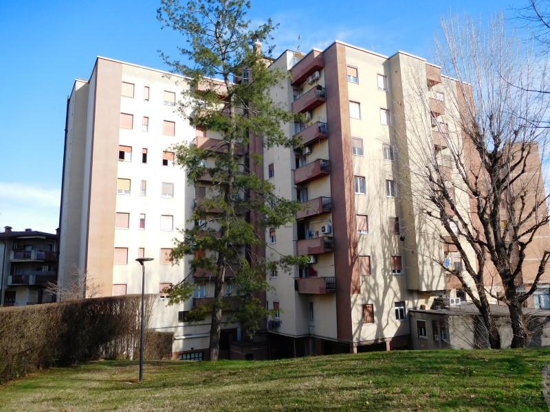 Appartamento in vendita a Vaprio d'Adda, 3 locali, prezzo € 49.000 | CambioCasa.it