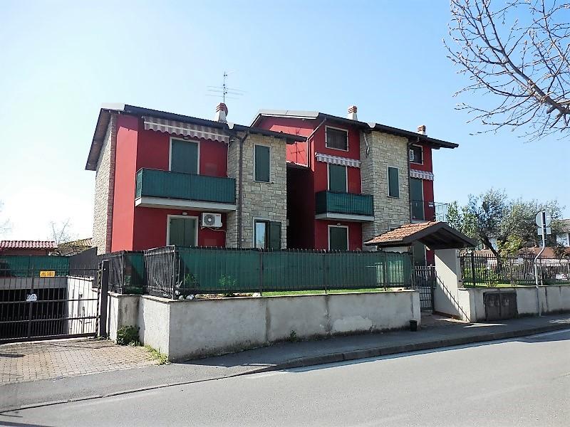 Appartamento in vendita a Boltiere, 2 locali, prezzo € 123.000 | CambioCasa.it
