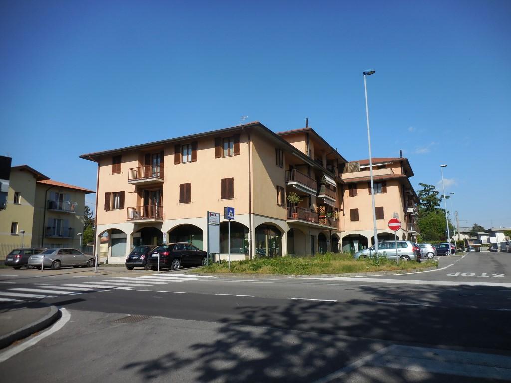 Appartamento in vendita a Capriate San Gervasio, 3 locali, prezzo € 102.000 | Cambio Casa.it