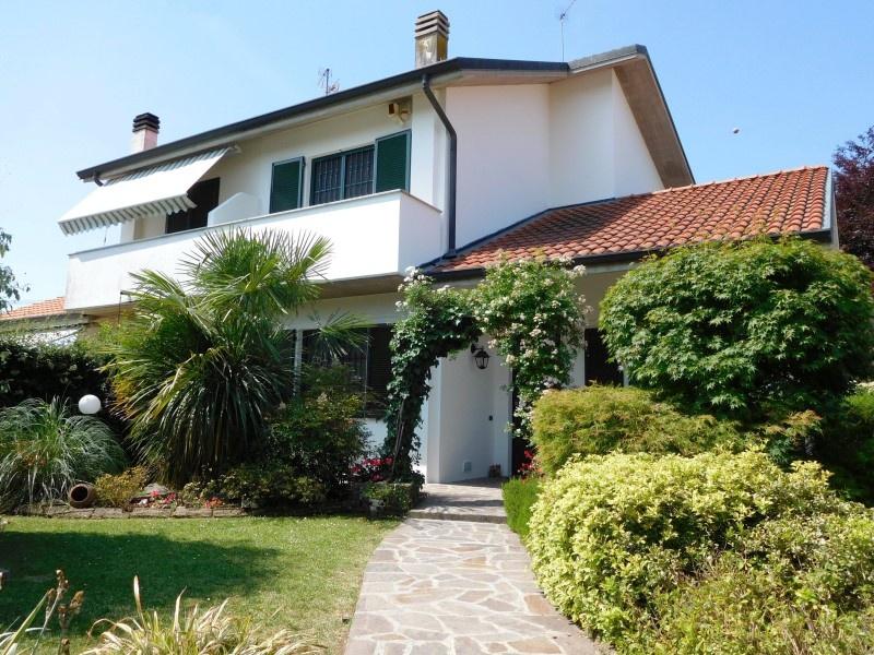 Villa in vendita a Pozzo d'Adda, 5 locali, prezzo € 320.000 | CambioCasa.it