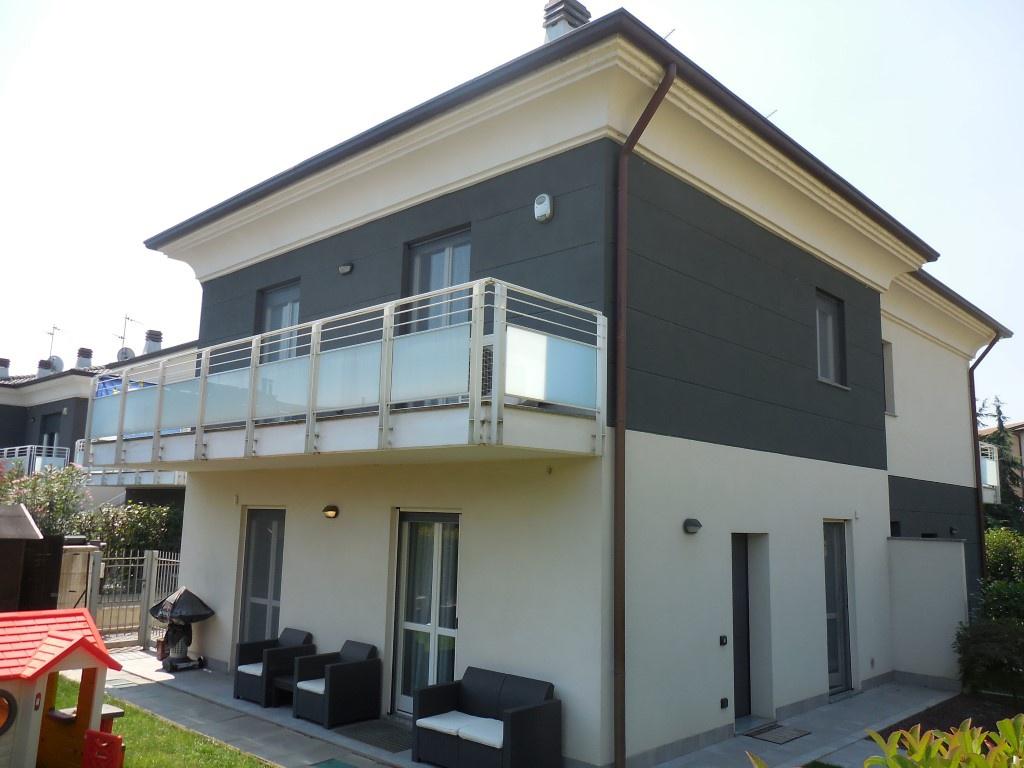 Villa in vendita a Capriate San Gervasio, 5 locali, prezzo € 349.000 | CambioCasa.it