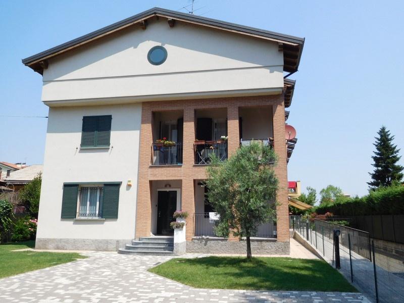 Appartamento in vendita a Vaprio d'Adda, 2 locali, prezzo € 95.000 | CambioCasa.it