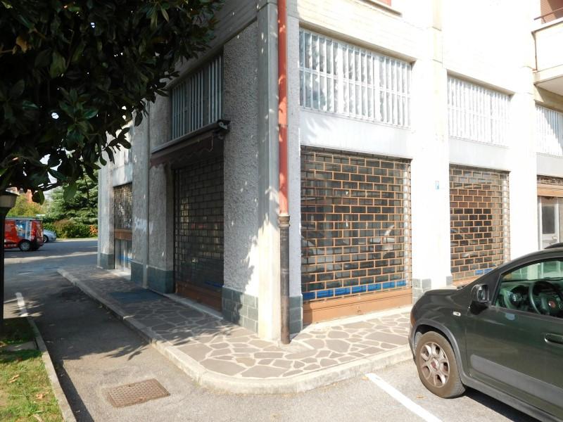 Negozio / Locale in vendita a Vaprio d'Adda, 2 locali, prezzo € 97.500 | CambioCasa.it