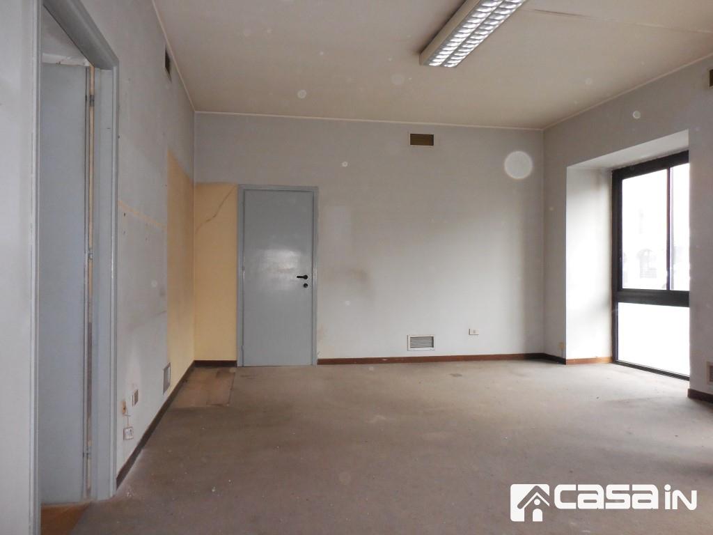 Ufficio / Studio in vendita a Brembate, 3 locali, prezzo € 58.000 | CambioCasa.it