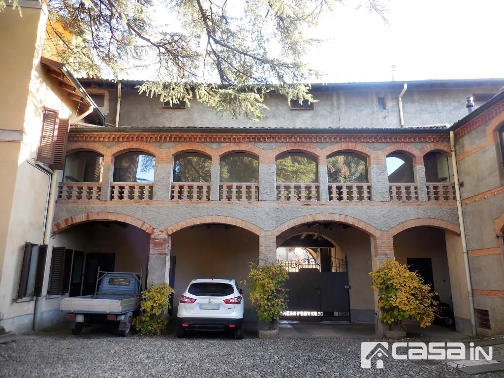 Ufficio / Studio in affitto a Capriate San Gervasio, 5 locali, prezzo € 850 | CambioCasa.it