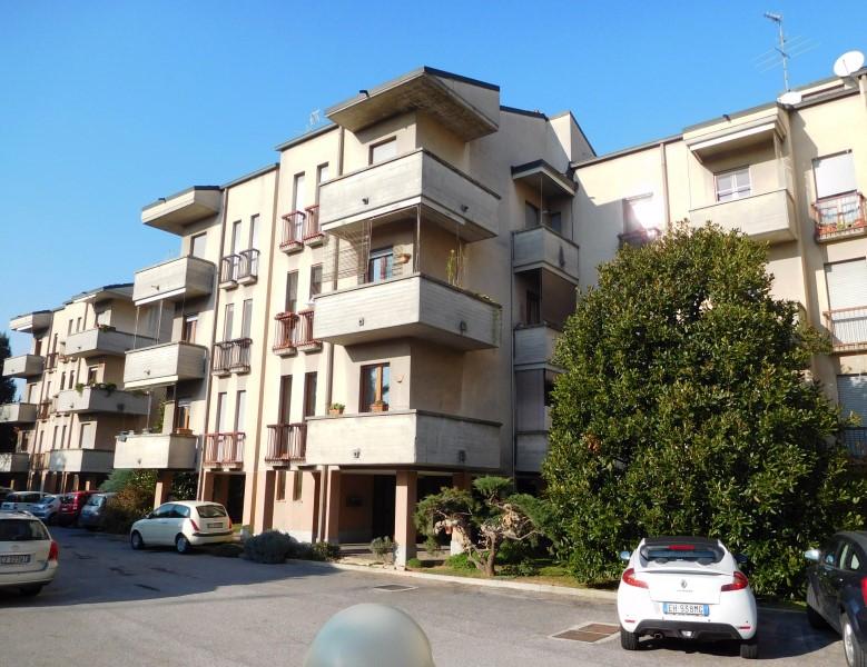 Appartamento in vendita a Vaprio d'Adda, 2 locali, prezzo € 60.000 | CambioCasa.it