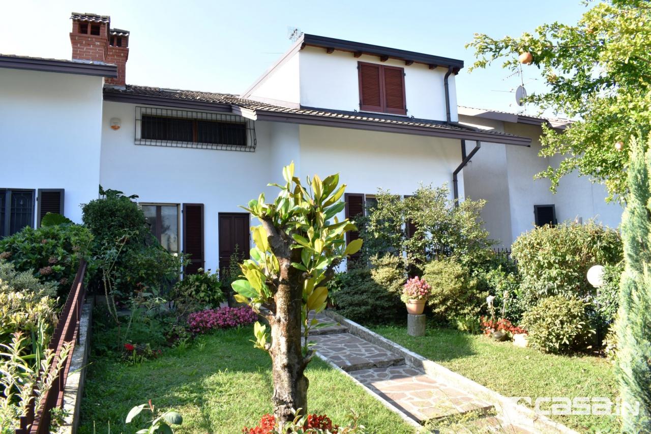 Villa in vendita a Pozzo d'Adda, 5 locali, prezzo € 240.000 | CambioCasa.it