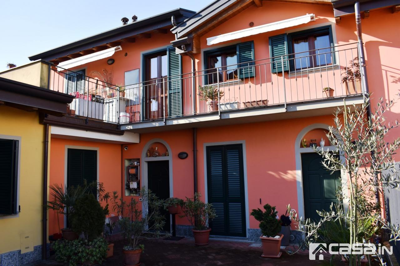Appartamento in ottime condizioni in vendita Rif. 9355263