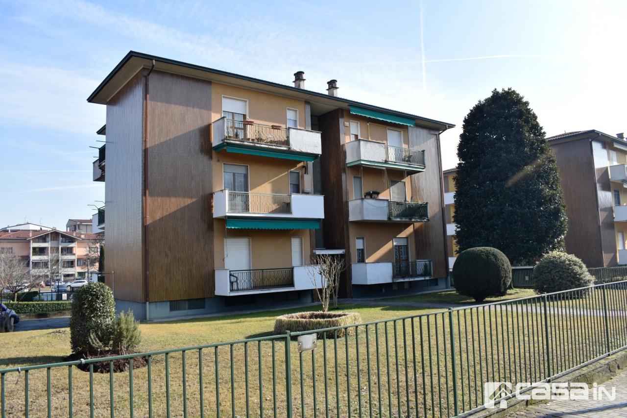 Appartamento in vendita a Cassano d'Adda, 3 locali, prezzo € 130.000 | CambioCasa.it