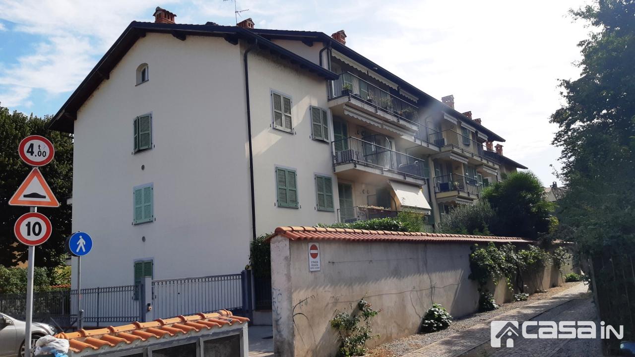 Appartamento in buone condizioni arredato in affitto Rif. 11092154