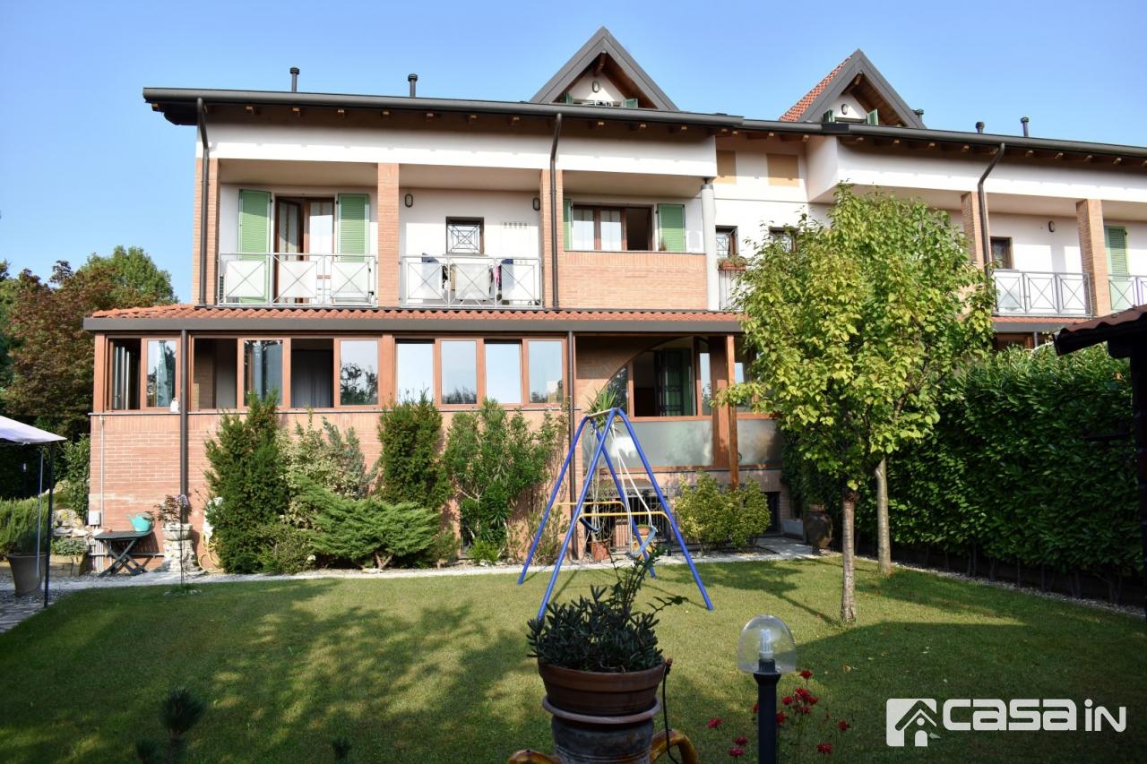 Appartamento in ottime condizioni in vendita Rif. 11160145