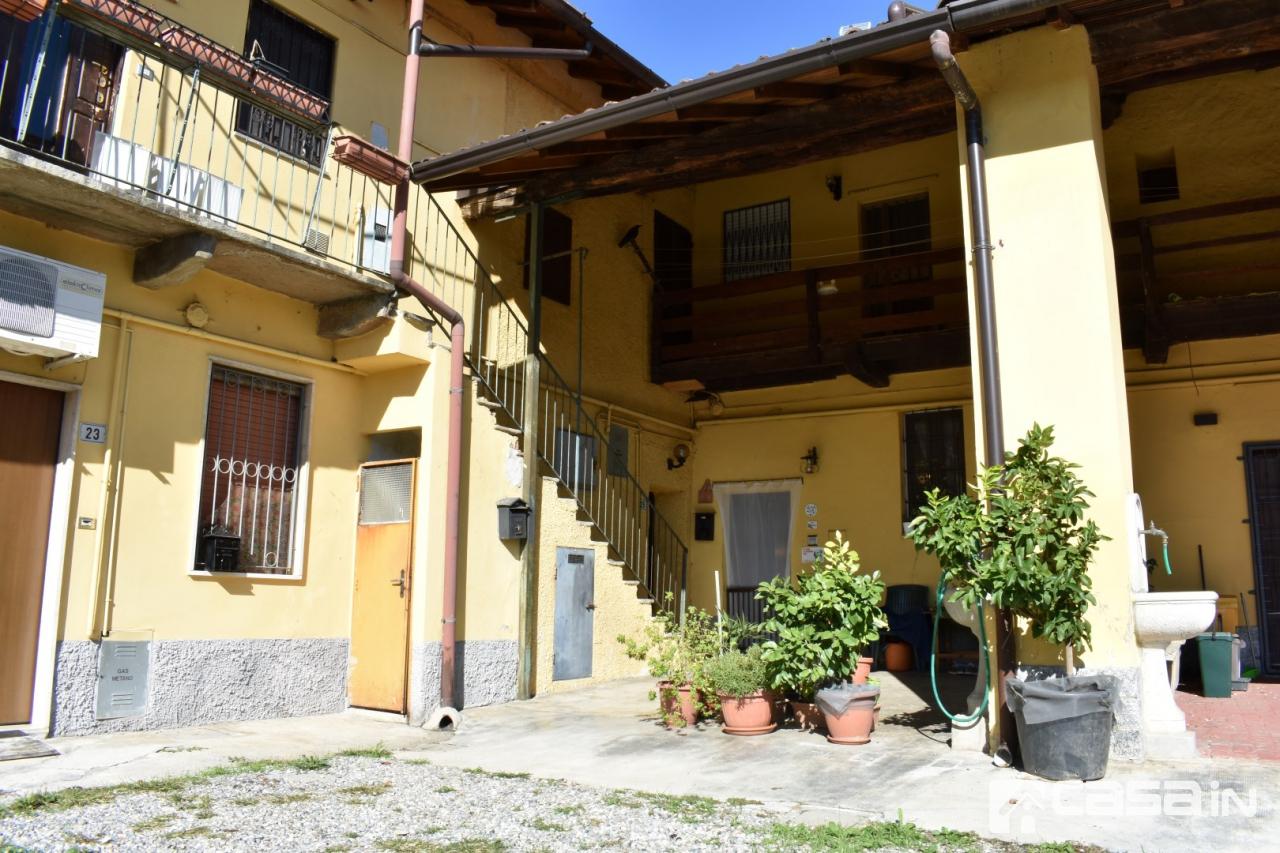 Appartamento in buone condizioni in vendita Rif. 11336371