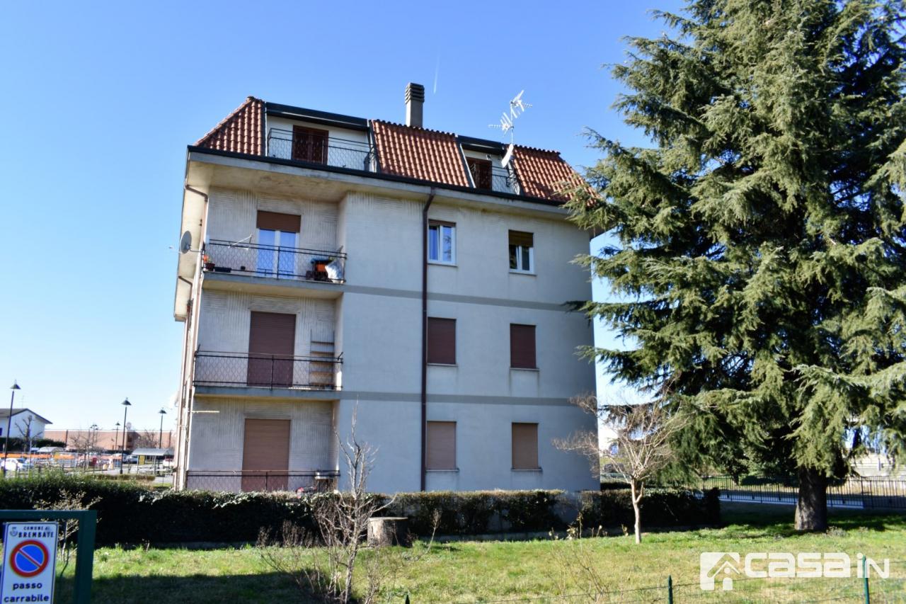 Appartamento in buone condizioni in vendita Rif. 12150931