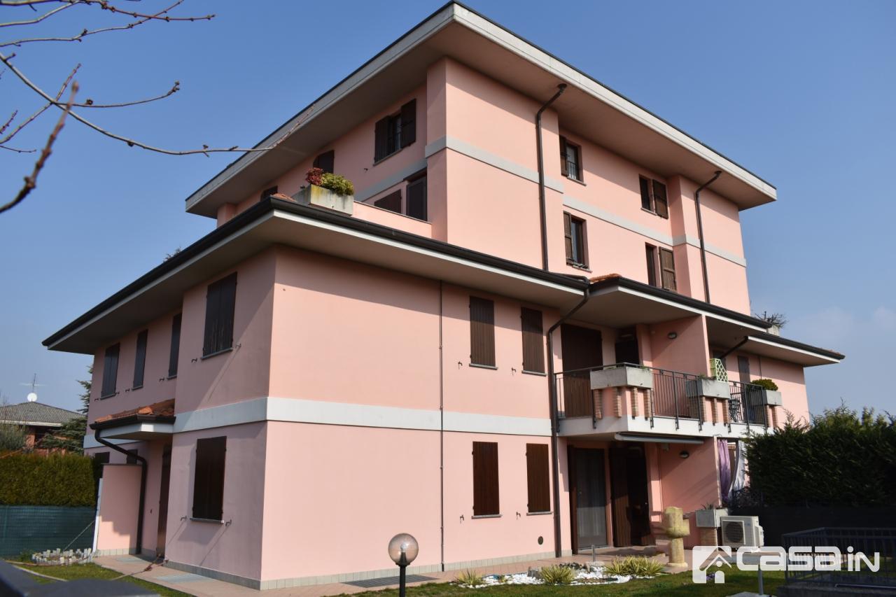 Appartamento in ottime condizioni in vendita Rif. 12200128