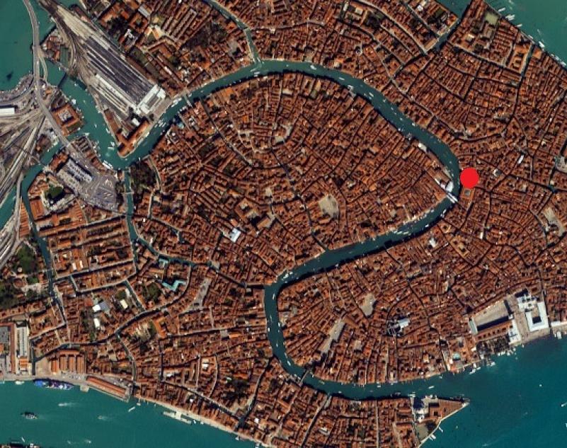 Palazzo / Stabile in affitto a Venezia, 15 locali, zona Località: CANNAREGIO, Trattative riservate | Cambio Casa.it