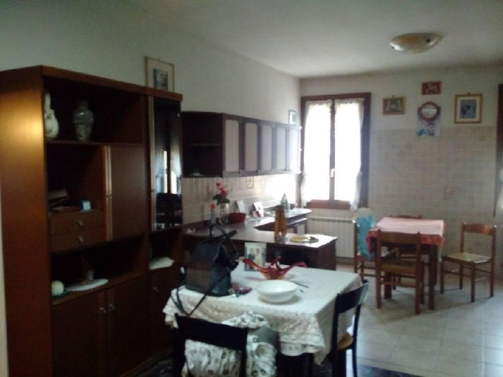 Appartamento in vendita a Venezia, 5 locali, zona Località: DORSODURO, prezzo € 550.000 | Cambio Casa.it