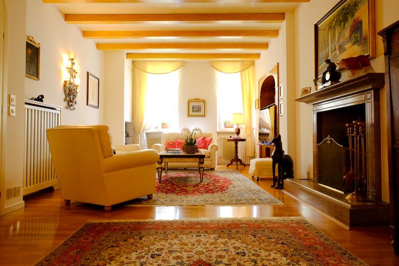 Appartamento in vendita a Belluno, 8 locali, prezzo € 550.000 | CambioCasa.it