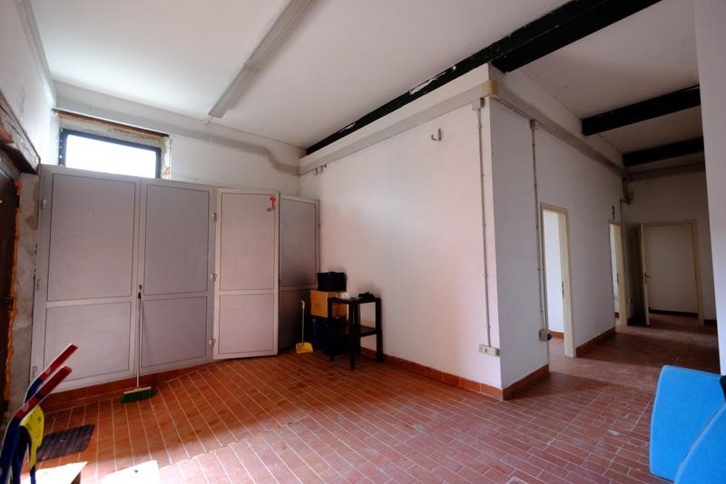 Magazzino in affitto a Venezia, 7 locali, prezzo € 2.300 | CambioCasa.it