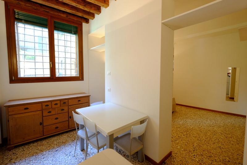 Appartamento in ottime condizioni arredato in vendita Rif. 7615420