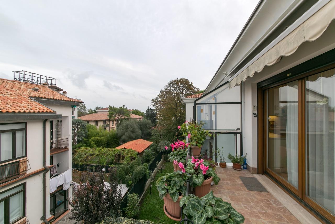 Appartamento in ottime condizioni in vendita Rif. 11459367