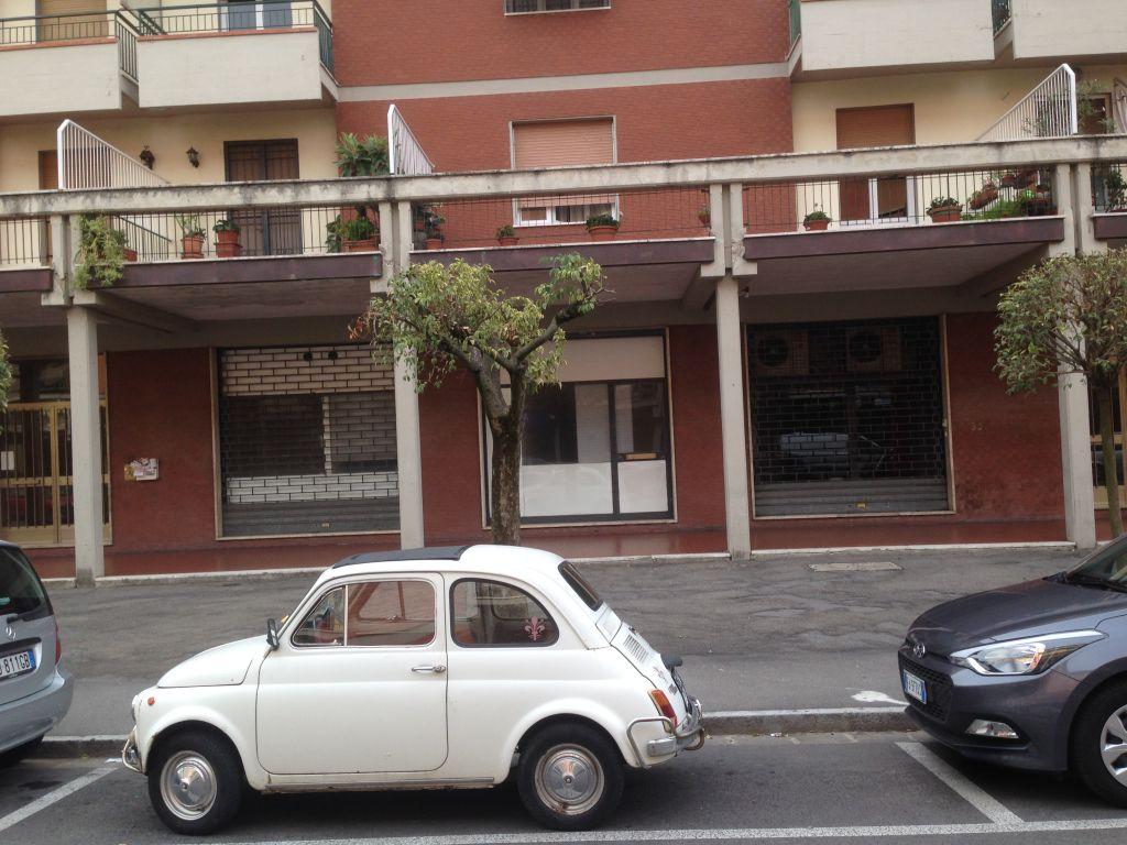 Negozio / Locale in affitto a Scandicci, 6 locali, zona Località: CENTRO, prezzo € 1.600 | Cambio Casa.it