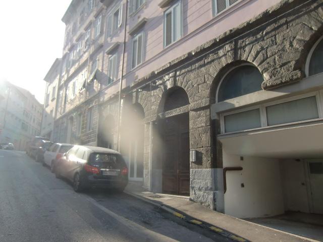 Bilocale Trieste Via Toti 7