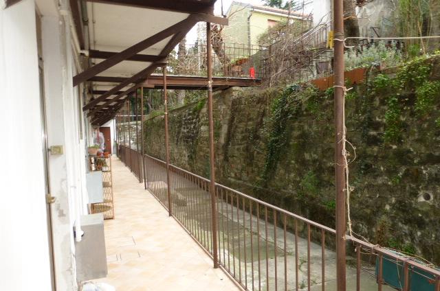 Bilocale Trieste Via Lucrezio 5