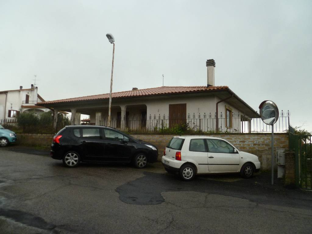 Foto - Villa In Vendita Farnese