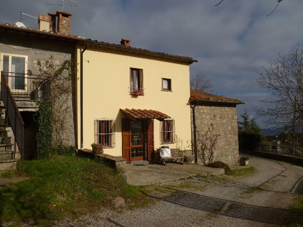 Soluzione Indipendente in affitto a Abbadia San Salvatore, 4 locali, zona Località: ABBADIA SAN SALVATORE, prezzo € 450 | Cambio Casa.it