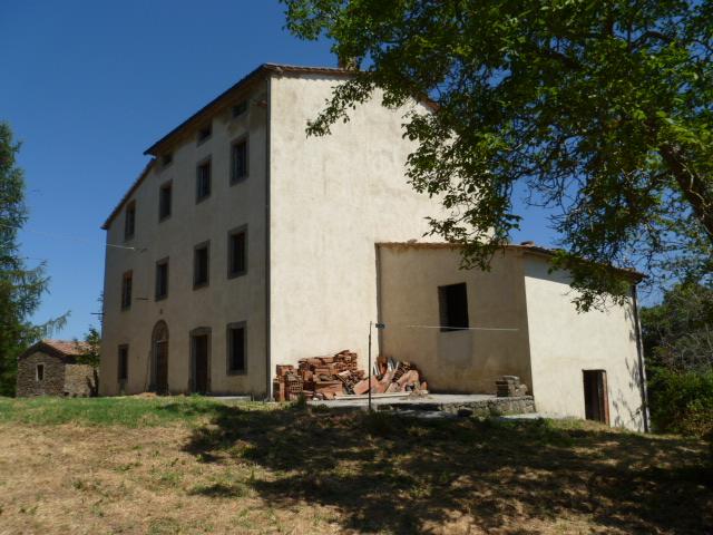 Palazzo / Stabile in Vendita a Santa Fiora