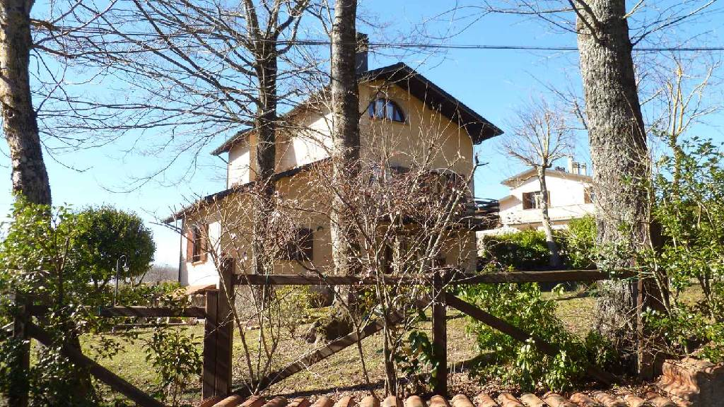 Villa ristrutturato in vendita Rif. 7090033