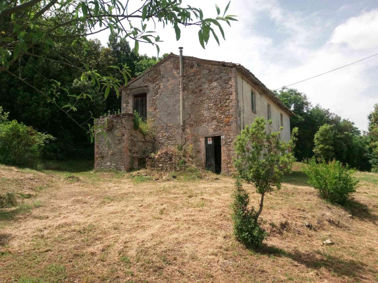 Rustico / Casale in vendita a Allerona, 8 locali, prezzo € 120.000 | CambioCasa.it