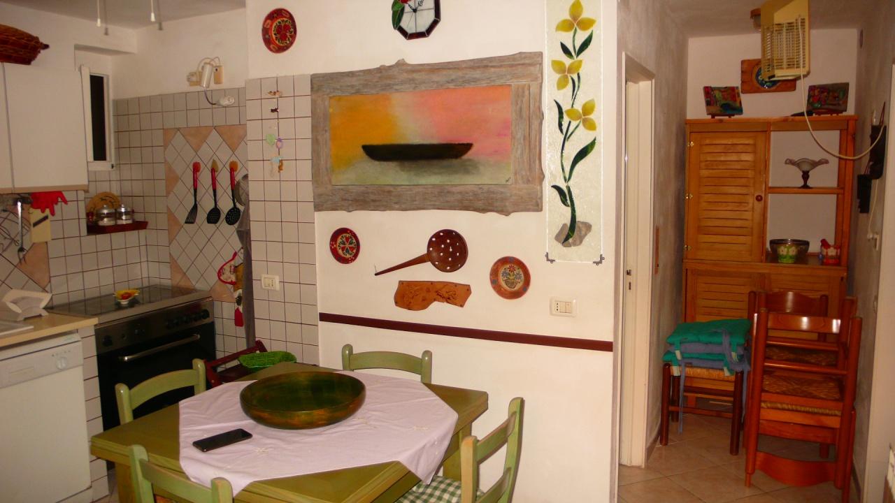 Soluzione Indipendente in affitto a Castiglione della Pescaia, 3 locali, prezzo € 700 | CambioCasa.it