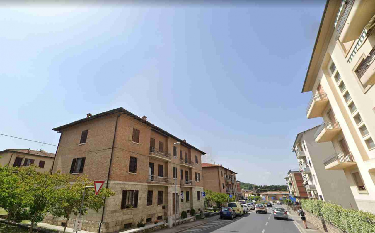 Appartamento in affitto a Colle di Val d'Elsa, 5 locali, prezzo € 600 | CambioCasa.it