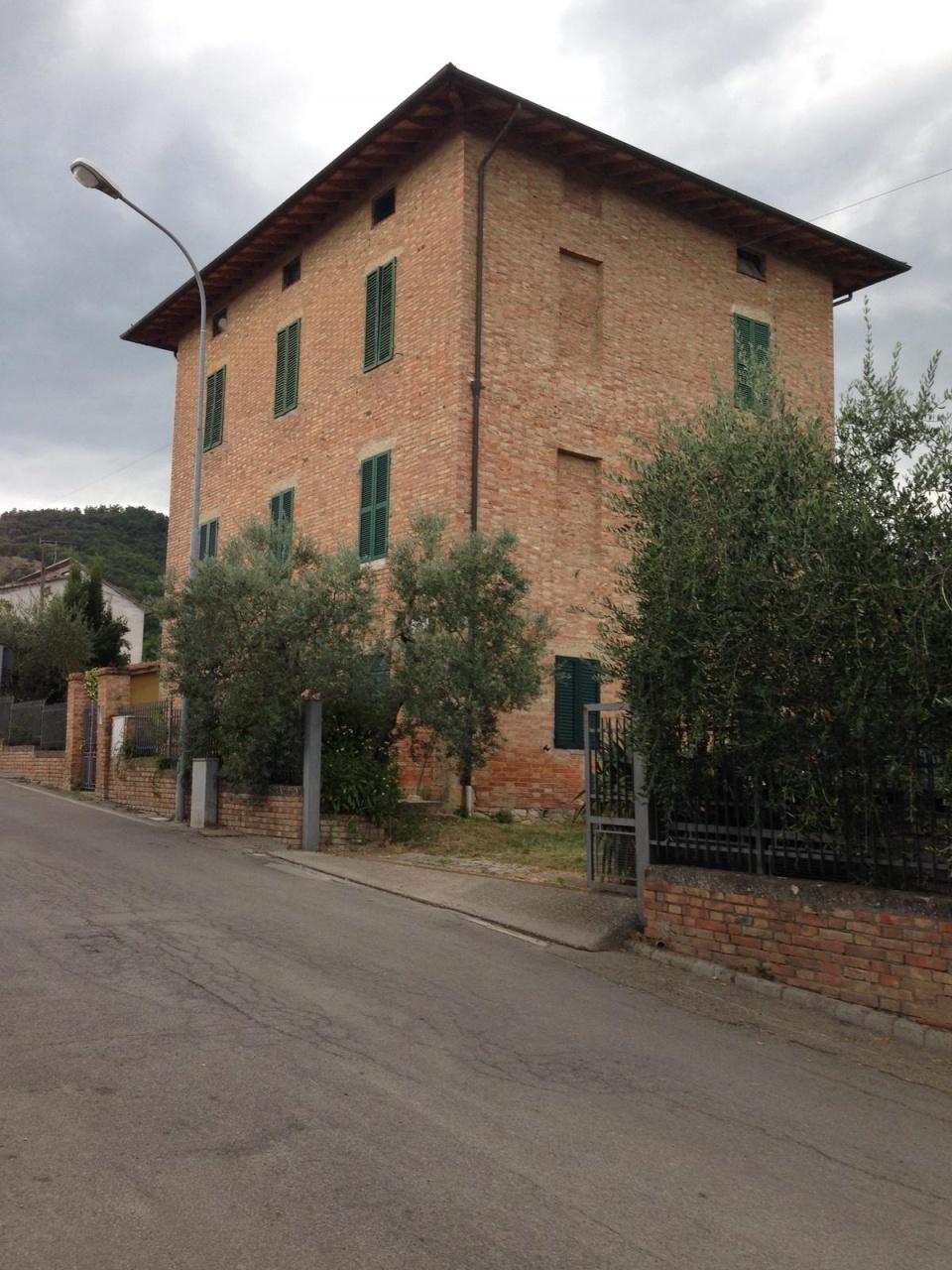 Rustico / Casale in vendita a San Casciano dei Bagni, 18 locali, prezzo € 198.000 | CambioCasa.it