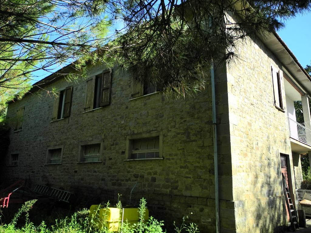 Soluzione Indipendente in vendita a Castiglion Fiorentino, 10 locali, zona Zona: Noceta, prezzo € 430.000 | Cambio Casa.it