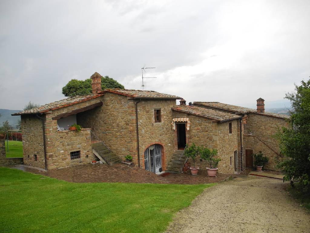 Soluzione Indipendente in vendita a Monte San Savino, 10 locali, Prezzo trattabile | Cambio Casa.it