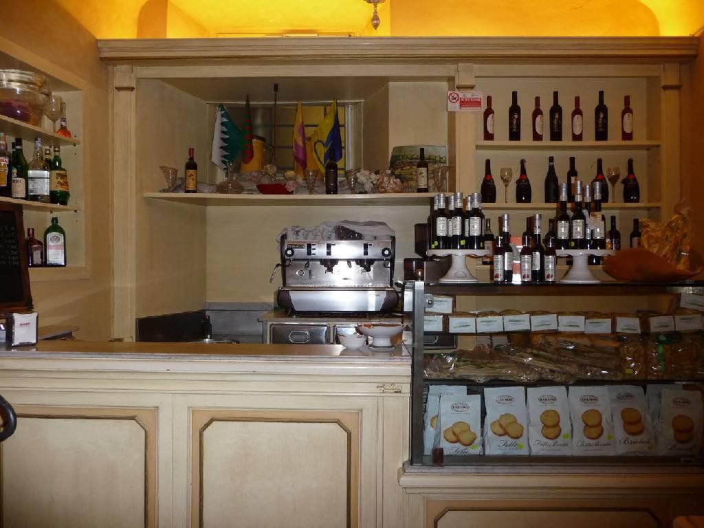 Ristorante / Pizzeria / Trattoria in vendita a Arezzo, 5 locali, Trattative riservate | CambioCasa.it
