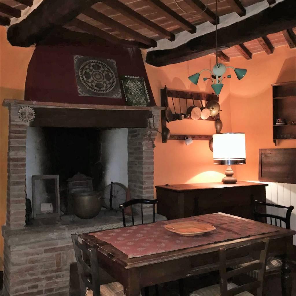 Appartamento in vendita a Monte San Savino, 7 locali, zona Località: MONTE SAN SAVINO, prezzo € 155.000 | Cambio Casa.it
