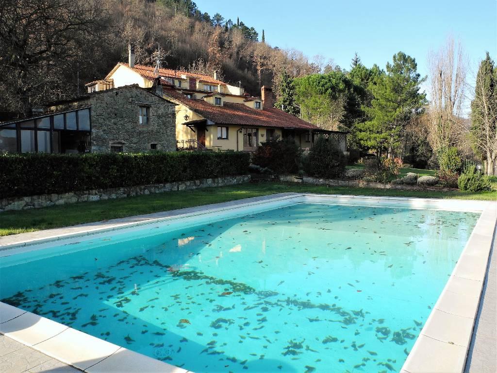 Villa in vendita a Capolona, 15 locali, zona Località: LA ZENNA, prezzo € 650.000 | Cambio Casa.it